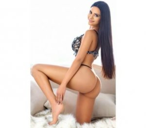 Ysaline thai escorts in Hunters Creek, FL