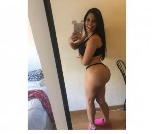 Senanur escort girl Newport Beach